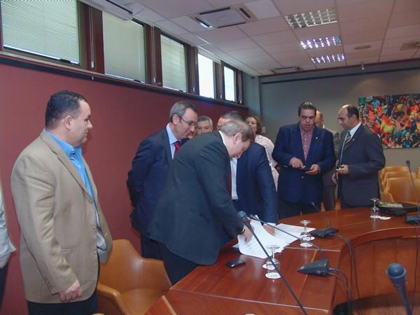 Firma de La Confederación Iberoamericana de Bowling y Bolos